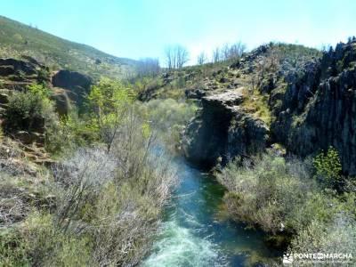 Cascadas del Aljibe - Arquitectura Negra;sierra magina gasco la ruta del cares la senda del oso sist